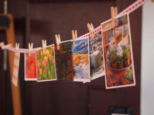 Postkarten auf der Wäscheleine: eine Idee für eine Challenge